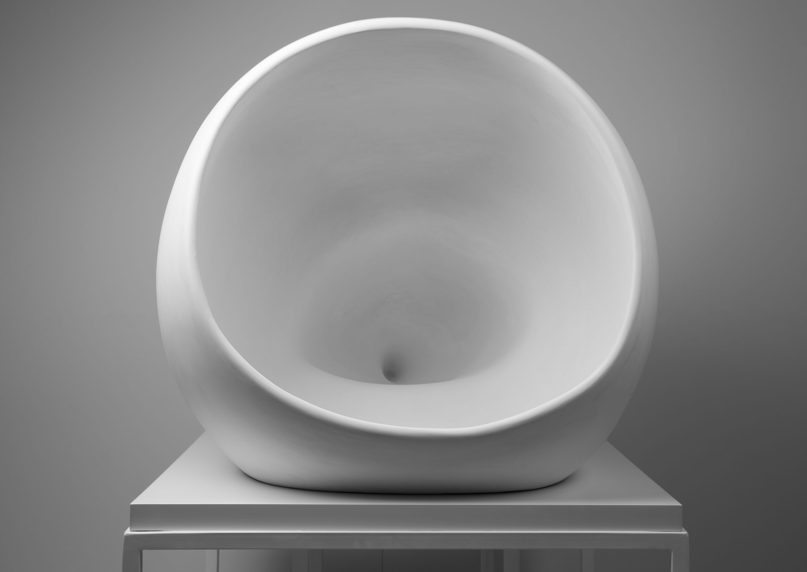 dominique-edwards-a-constant-hum-plaster-of-paris-780mm-x-820mm-x-900mm-2019